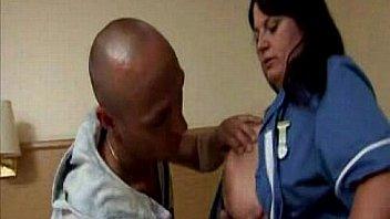 एमेच्योर नर्स गुदा मैथुन कट्टर हो जाता है