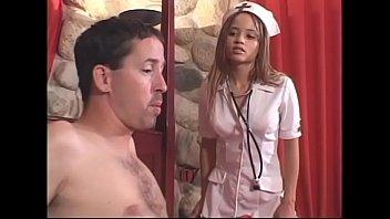 नर्स सह शॉट से गर्म झटका